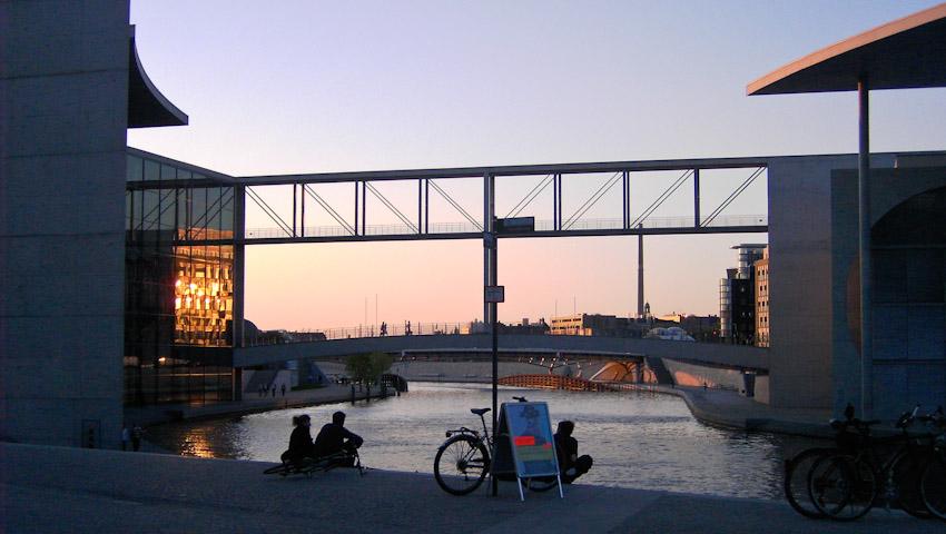 Berlin Sonnenuntergang Regierungsviertel