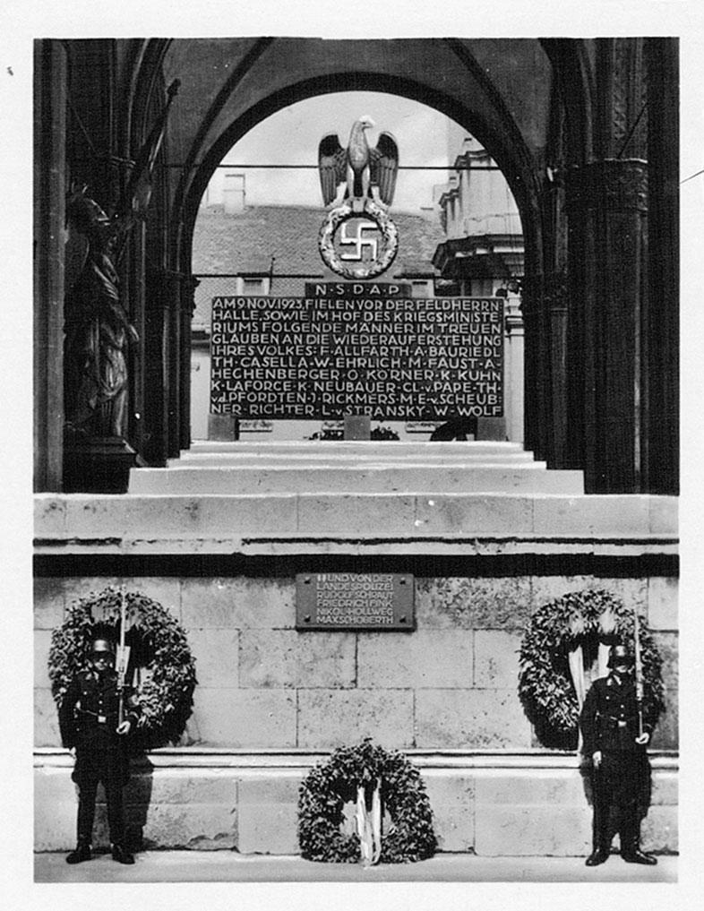 Mahnmal der Feldherrenhalle für die Gefallenen des 9. November 1923. München.