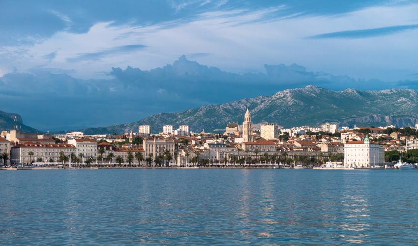 Split-Kroatien-Ansicht-vom-Meer