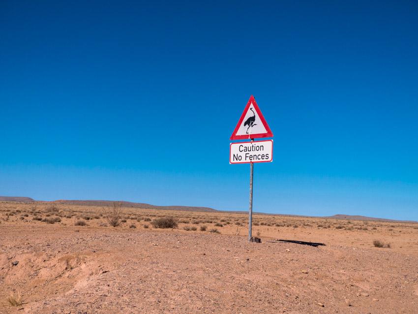 Namibia Strassenschilder-1080505