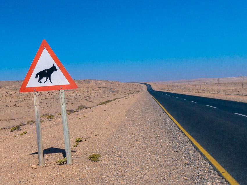 Namibia Strassenschilder-1080917