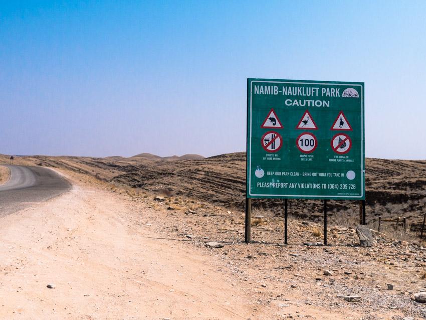 Namibia Strassenschilder-1090226