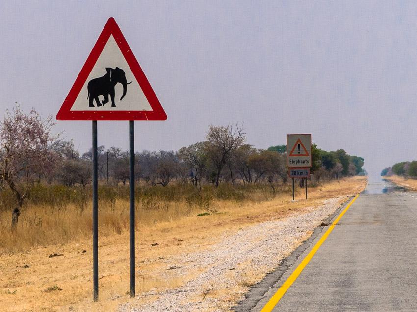 Namibia Strassenschilder-1090822
