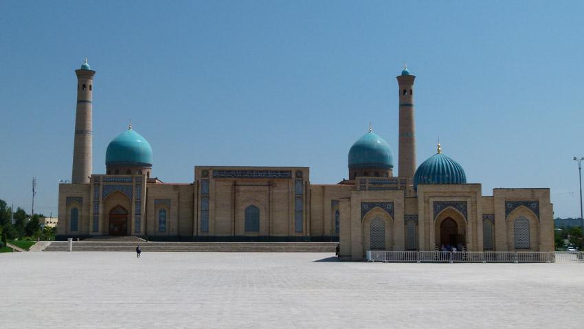 ABSURDISTANI Usbekistan-1040578