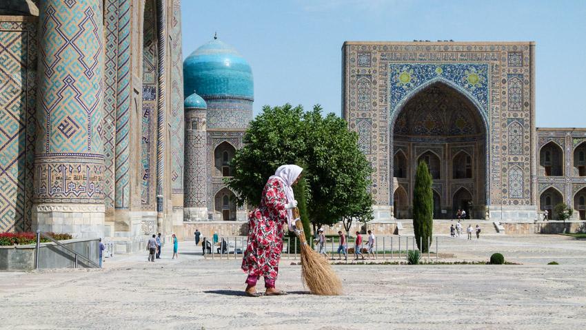 ABSURDISTANI Usbekistan-1060054