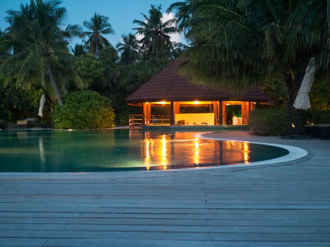 Malediven Robinson Club Malediven Poolbar