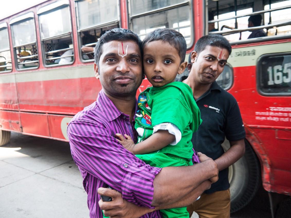 Indische Familie in Mumbai