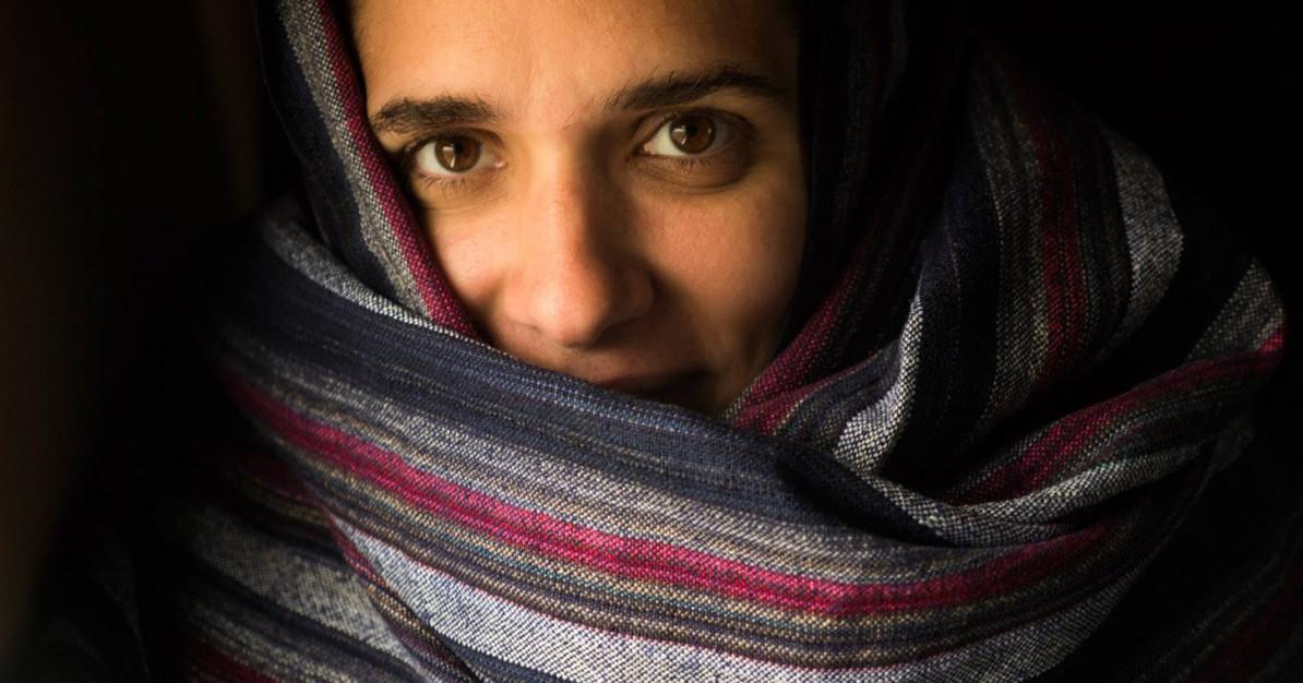 Indisches Tuch als Kaelteschutz Marianna Hillmer