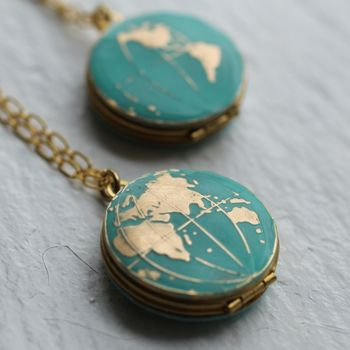 normal_atlas-globe-locket