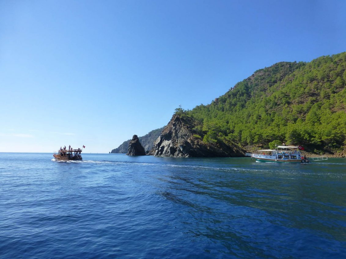 Bootsausflug zu zauberhaften Badebuchten.