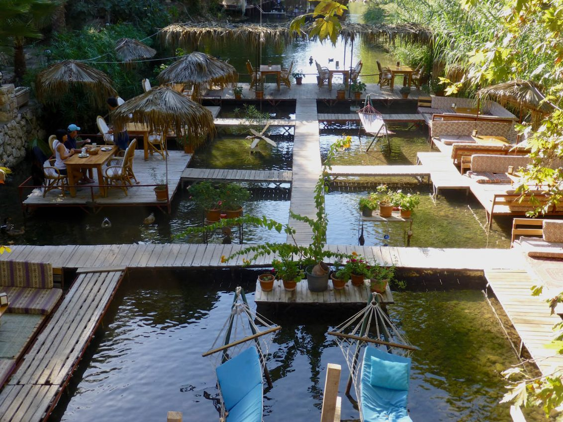 Schwimmende Bars in Adrasan.